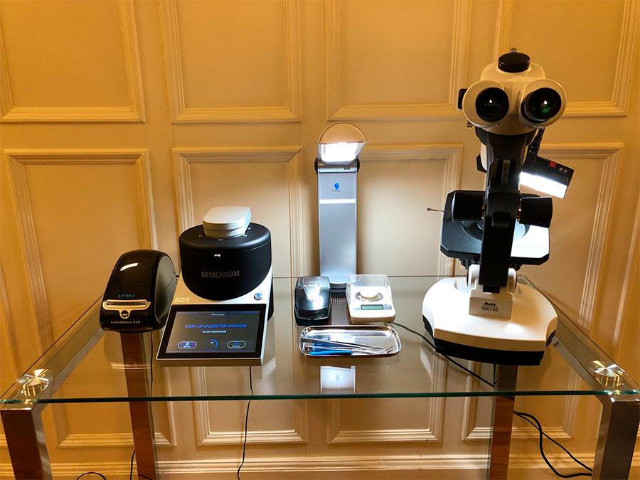 un laboratorio gemológico homologado